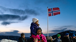 14.03.2017, Lysgards Schanze, Lillehammer, NOR, FIS Weltcup Ski Sprung, Raw Air, Lillehammer, im Bild Feature, Zuschauer in der Abenddämmerung mit der Norwegischen Fahne // spectators at dusk with the Norwegian flag // during the 2nd Stage of the Raw Air Series of FIS Ski Jumping World Cup at the Lysgards Schanze in Lillehammer, Norway on 2017/03/14. EXPA Pictures © 2017, PhotoCredit: EXPA/ Tadeusz Mieczynski