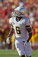 03 November 2012: Running back (6) De'Anthony Thomas of the Oregon Ducks looks up before catching a touchdown pass against the USC Trojans during the first half of Oregon's  62-51victory over USC at the Los Angeles Memorial Coliseum in Los Angeles, CA.