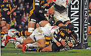 Wycombe, Great Britain, Wasps,  Danny CIPRIANI,  touches down, during the Guinness Premiership Game London Wasps vs Newcastle Falcon at Adams Park, England, on Sunday 25/11/2007   [Mandatory Credit. Peter Spurrier/Intersport Images]