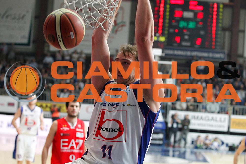 DESCRIZIONE : Cantu Campionato Lega A 2011-12 Bennet Cantu EA7 Emporio Armani Milano<br /> GIOCATORE : Denis Marconato<br /> CATEGORIA : Schiacciata<br /> SQUADRA : Bennet Cantu<br /> EVENTO : Campionato Lega A 2011-2012<br /> GARA : Bennet Cantu EA7 Emporio Armani Milano<br /> DATA : 26/12/2011<br /> SPORT : Pallacanestro<br /> AUTORE : Agenzia Ciamillo-Castoria/G.Cottini<br /> Galleria : Lega Basket A 2011-2012<br /> Fotonotizia : Cantu Campionato Lega A 2011-12 Bennet Cantu EA7 Emporio Armani Milano<br /> Predefinita :