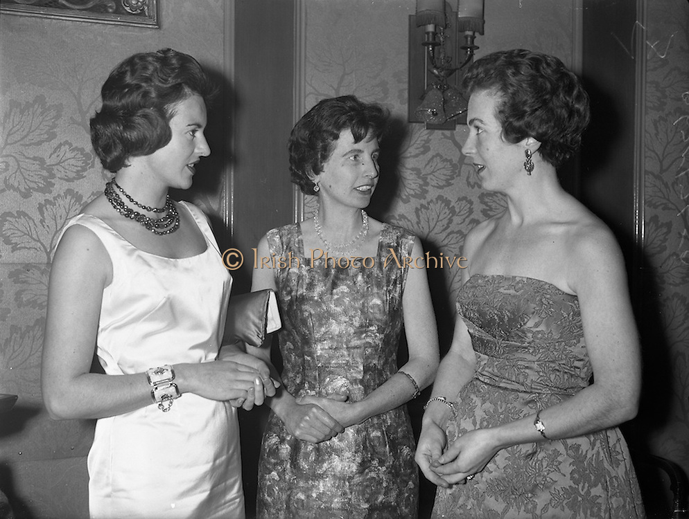 09/12/1960<br /> 12/09/1960<br /> 09 December 1960<br /> Irish Hotel Management Association dinner at the Metropole Hotel, Dublin. At the event were (l-r): Mrs (Mary?) William Huggard; Mrs Michael MacMenamin and Mrs Lillis O'Leary.