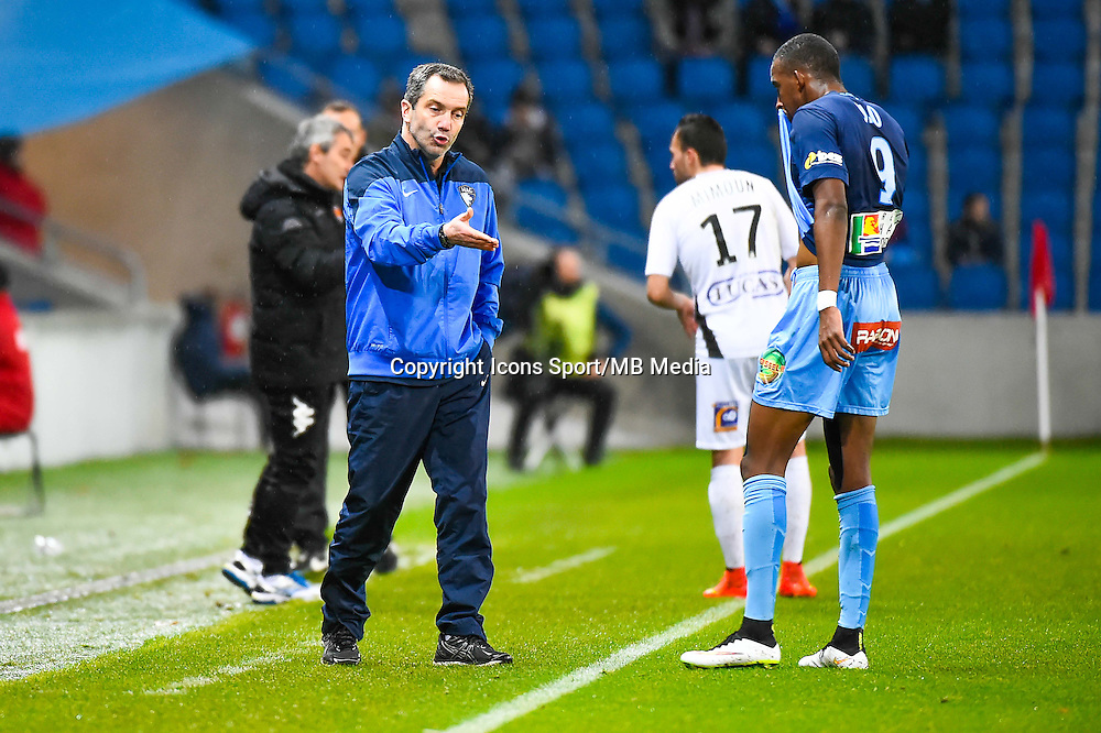 Philippe BIZEUL / Moussa SAO  - 12.12.2014 - Le Havre / Laval - 17eme journee de Ligue 2 <br /> Photo : Fred Porcu / Icon Sport