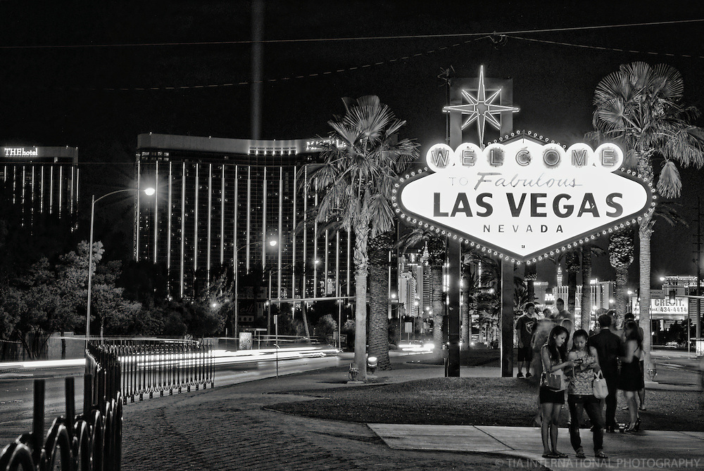 "Classic ""Welcome to Las Vegas"" Neon Sign"