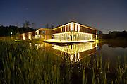 Nederland, Ubbergen, 14-5-2014De nieuwbouw van havo notre dame des anges, een zelfstandige, kleinschalige havo, is een moderne en duurzaam gebouwde middelbare school. De foto is genomen vanaf de plek waar de school voorheen stond, en die teruggeven wordt aan de natuur. Het is getransformeerd tot een recreatiegebied, wandelgebied, natuurgebied met veel water en drassige grond zoals de hele omgeving van Beek-Ubbergen waar de stuwwal overgaat in de Ooijpolder.Foto: Flip Franssen/Hollandse Hoogte