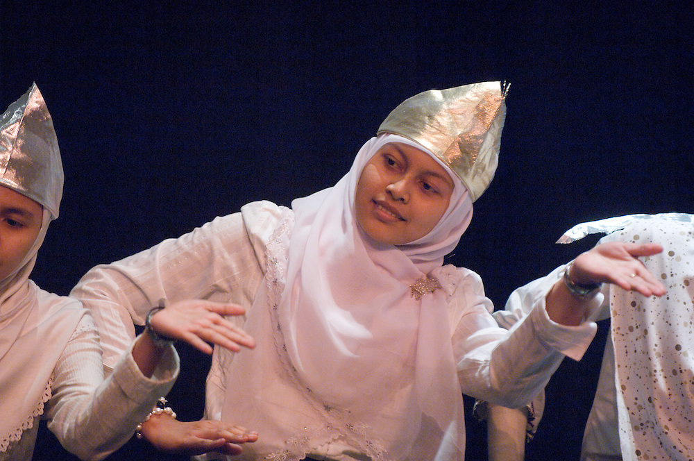 """ISU Talent Show..TaRi Indang (traditional Indonesian Dance) Performed by PERMIAS(Indonesian Student Association)..Sabarniati Sabarniati, """"Arni""""..Come join students, faculty, and community members in watching the performances of this year's International Student Union Talent Show. There will be songs, dances, and other cultural performances to entertain and make for a wonderful night. Come and support your talented friends at OU! A reception will follow."""