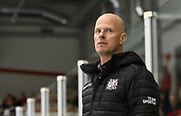 2020-03-07   Ljungby, Sverige: Bodens HF huvudtränare Petter Nilsson-Lång under matchen i Hockeyettan mellan IF Troja/Ljungby och Bodens HF i Ljungby Arena ( Foto av: Fredrik Sten   Swe Press Photo )<br /> <br /> Nyckelord: Ljungby, Ishockey, Hockeyettan, Ljungby Arena, IF Troja/Ljungby, Bodens HF, fstb200307, playoff, kval