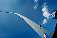 20081018 - Barack Obama Campaigns Under the St. Louis Arch