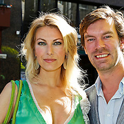 NLD/Amsterdam/20100627 - Inloop premiere Shrek 3D, Susan Smit en partner Peter Veldhoven