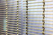 D&uuml;ren. 15.03.17 | BILD- ID 023 |<br /> GKD - Gebr. Kufferath AG. Metallfassade f&uuml;r die Neue Mannheimer Kunsthalle.<br /> Das Unternehmen in D&uuml;ren produziert Fassaden f&uuml;r die Architektur aus Metall. Ein gewebtes Metallgitter wird von Aussen an die Fassade montiert. <br /> Kunsthallendirektorin Dr. Ulrike Lorenz besucht das Unternehmen in D&uuml;ren und freut sich &uuml;ber die technische Umsetzung mit einer speziell goldenen Pigmentierung der Edelstahlstreben.<br /> Bild: Markus Prosswitz 15MAR17 / masterpress (Bild ist honorarpflichtig - No Model Release!)