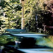 Flitspaal voor snelheidscontrole Naarderstraat