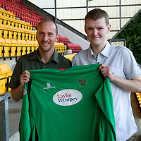 St Johnstone Players Sponsors Night....03.05.10<br /> Paul Sheerin<br /> Picture by Graeme Hart.<br /> Copyright Perthshire Picture Agency<br /> Tel: 01738 623350  Mobile: 07990 594431