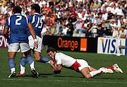 Andy Gomarsall catches Loki Crichton. England v Samoa, Nantes, France, Rugby World Cup 2007, 22nd September 2007.