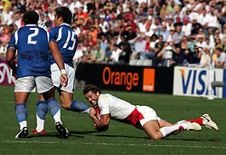 Andy Gomarsall catches Loki Crichton. England v Samoa, Nantes, France, Rugby World Cup 2007, 22nd September 2007.