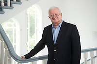 17 JUN 2015, BERLIN/GERMANY:<br /> Rudolf Seiters, Praesident Deutsches Rotes Kreuz, DRK, Bundesinnenminister a.D., in einem Treppenhaus, DRK Generalsekretariat<br /> IMAGE: 20150617-02-036