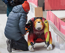 11.02.2018, Olympic Sliding Centre, Pyeongchang, KOR, PyeongChang 2018, Rodeln, Herren, 4. Lauf, im Bild v.l. Bundestrainer Norbert Loch, Felix Loch (GER) // f.l. Head coach Bundestrainer Norbert Loch Felix Loch of Germany during the Men's Luge Singles Run 4 competition at the Olympic Sliding Centre in Pyeongchang, South Korea on 2018/02/11. EXPA Pictures © 2018, PhotoCredit: EXPA/ Johann Groder