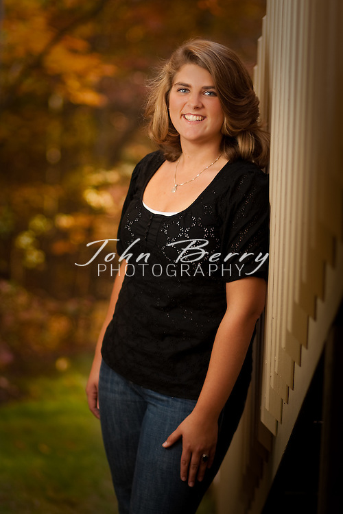 Maci Dyer .Senior Portraits .10/25/09