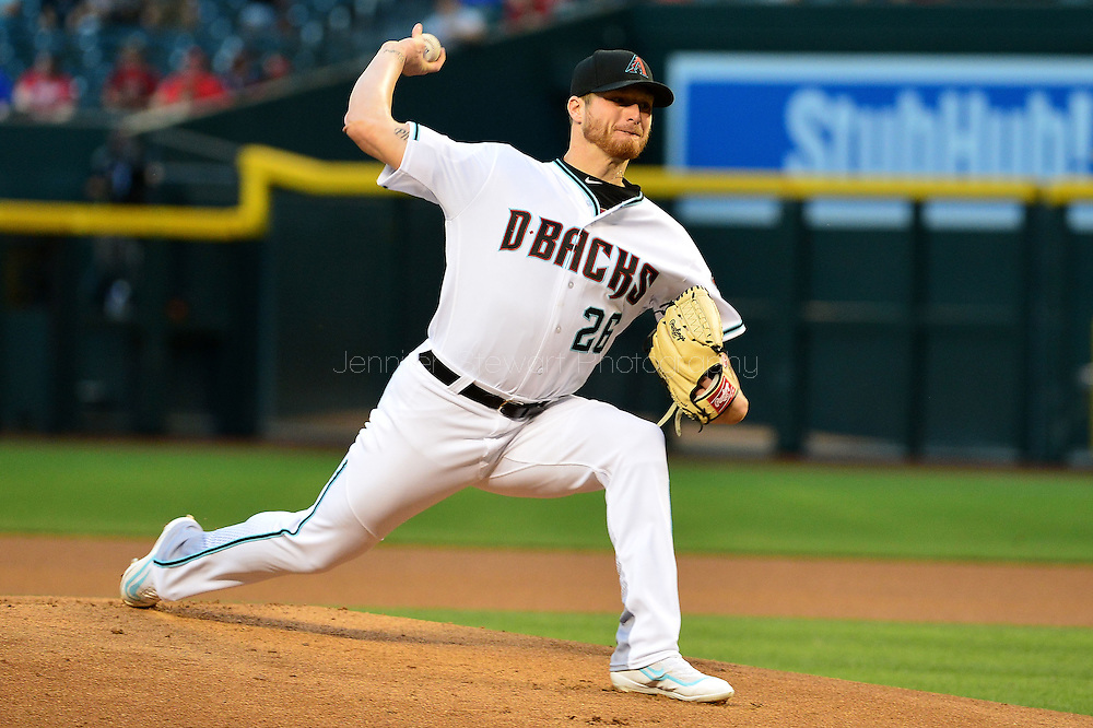 PHOENIX, AZ - APRIL 26:  Shelby Miller #26 of the Arizona Diamondbacks delivers a pitch in the first inning against the St. Louis Cardinals at Chase Field on April 26, 2016 in Phoenix, Arizona.  (Photo by Jennifer Stewart/Getty Images)