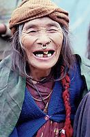 Nepal - Region de Gorkha - Femme d'ethnie Gurung - Rire