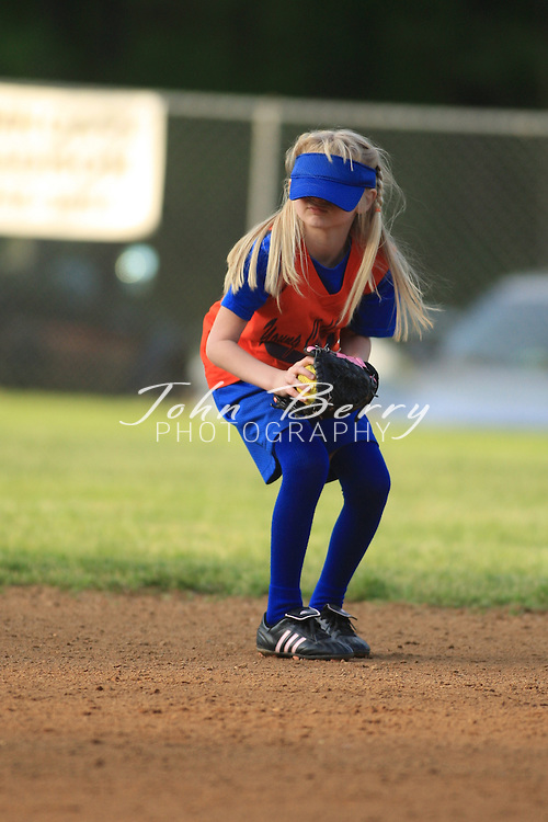 MPR 8U Softball .Young Cubbies vs Bombers .4/29/2008..