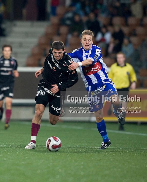 Rafael, Tuomas Haapala. HJK - FC Lahti 7.10.2007. Veikkausliiga. Photo: Jussi Eskola