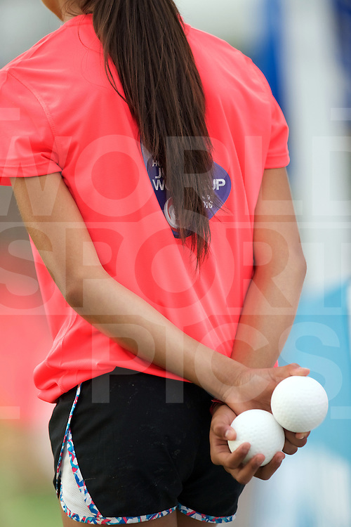 SANTIAGO - 2016 8th Women's Hockey Junior World Cup<br /> KOR v ZIM (Pool A)<br /> foto: Ball girl.<br /> FFU PRESS AGENCY COPYRIGHT FRANK