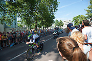 In Utrecht is deTour de France van start gegaan met een tijdrit. De stad was al vroeg vol met toeschouwers. Het is voor het eerst dat de Tour in Utrecht start.<br /> <br /> In Utrecht the Tour de France has started with a time trial. Early in the morning the city was crowded with spectators. It is the first time the Tour starts in Utrecht.
