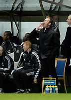 Photo: Jed Wee.<br /> Newcastle United v Charlton Athletic. The Barclays Premiership. 22/02/2006.<br /> <br /> Newcastle's Alan Shearer shouts instructions from the bench.