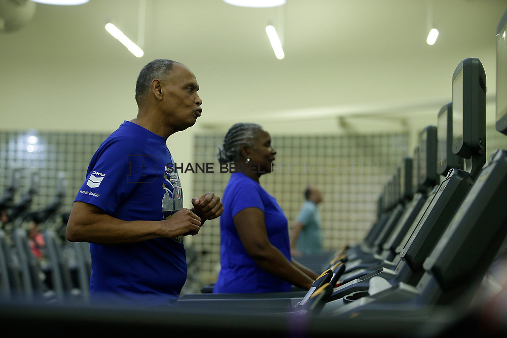 11/8/17 7:37:40 PM --  Charles and Shonda at Healthzone at SFHS. <br /> <br /> Photo by Shane Bevel