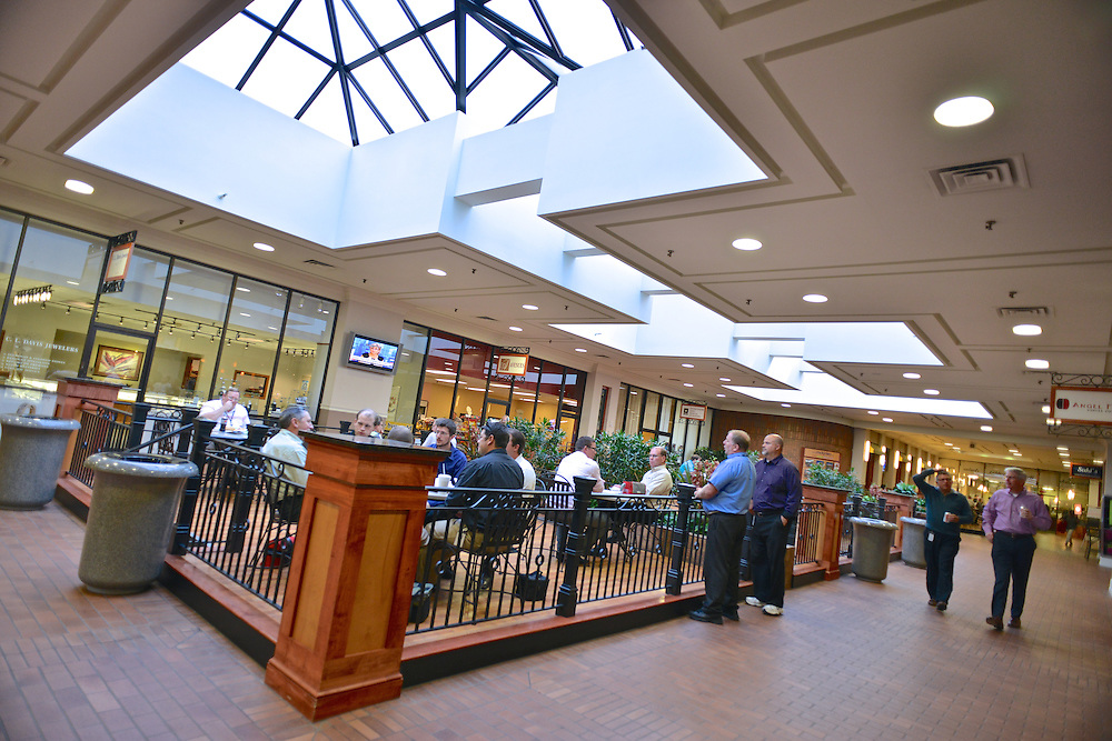 Customers dining at the Shoppes at Akron Centre.