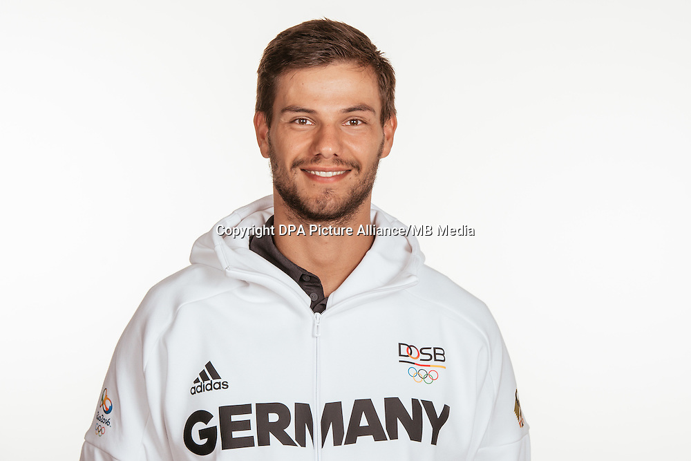 Anton Braun poses at a photocall during the preparations for the Olympic Games in Rio at the Emmich Cambrai Barracks in Hanover, Germany, taken on 14/07/16 | usage worldwide