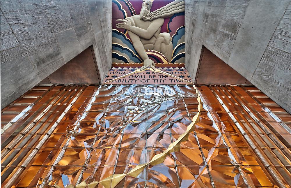 Rockefeller Center sculpture building entrance, New-York City, US