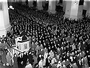 05/10/1952<br /> 10/05/1952<br /> 05 October 1952<br /> Franciscan Church, Merchant's Quay, Novena Mass.<br /> His Excellency Gerald O'Hara, Papal Nuncio, preside over one of the Novena Masses.  Preacher can be seen in the pulpit addressing the crowd.