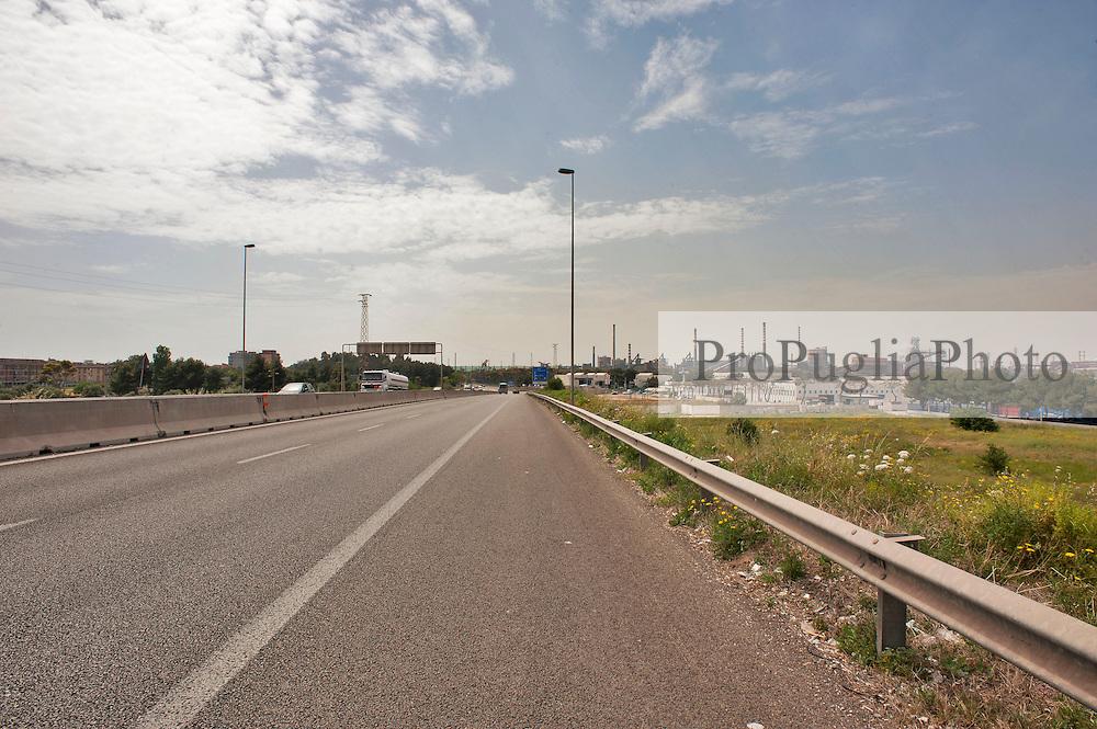 Taranto, maggio 2013.Strada Statate 7, SS 7