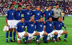ITALY TEAM GROUP.(ITALY)  EURO 2000.ITALY V SWEDEN 19/06/00 EINDHOVEN.PHOTO ROGER PARKER.