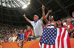 10.07.2011, Glückgas Stadion, Dresden,  GER, FIFA Women Worldcup 2011, Viertelfinale , Brasil (BRA) vs USA (USA)  im Bild   .amerikanische Fans  jubeln über den Einzug ins Halbfinale nach Elfmeterschiessen .//  during the FIFA Women Worldcup 2011, Quarterfinal, Germany vs Japan  on 2011/07/10, Arena im Allerpark , Wolfsburg, Germany.  .EXPA Pictures © 2011, PhotoCredit: EXPA/ nph/  Hessland       ****** out of GER / CRO  / BEL ******