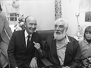Noel Purcell Celebrates His 81st Birthday.23.12.1981..12.23.1981..23rd December 1981..Noel Purcell celebrates his 81st birthday in the Adelaide Hospital.The President Mr Patrick Hillary shares a joke with Noel