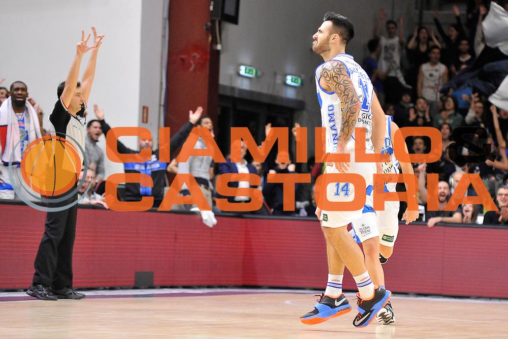 DESCRIZIONE : Campionato 2014/15 Serie A Beko Dinamo Banco di Sardegna Sassari - Giorgio Tesi Group Pistoia<br /> GIOCATORE : Brian Sacchetti<br /> CATEGORIA : Esultanza Controcampo<br /> SQUADRA : Dinamo Banco di Sardegna Sassari<br /> EVENTO : LegaBasket Serie A Beko 2014/2015 <br /> GARA : Dinamo Banco di Sardegna Sassari - Giorgio Tesi Group Pistoia<br /> DATA : 01/02/2015 <br /> SPORT : Pallacanestro <br /> AUTORE : Agenzia Ciamillo-Castoria/C.Atzori <br /> Galleria : LegaBasket Serie A Beko 2014/2015