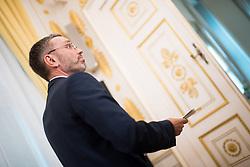 10.04.2019, Bundeskanzleramt, Wien, AUT, Bundesregierung, Pressefoyer nach Sitzung des Ministerrats, im Bild Innenminister Herbert Kickl (FPÖ) // Austrian Minister for the Interior Herbert Kickl during media briefing after cabinet meeting at federal chancellors office in Vienna, Austria on 2019/04/10 EXPA Pictures © 2019, PhotoCredit: EXPA/ Michael Gruber