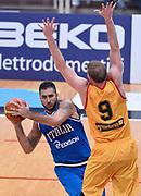 DESCRIZIONE : Trento Nazionale Italia Uomini Trentino Basket Cup Italia Belgio Italy Belgium<br /> GIOCATORE : Pietro Aradori<br /> CATEGORIA : passaggio equilibrio<br /> SQUADRA : Italia Italy<br /> EVENTO : Trentino Basket Cup<br /> GARA : Italia Belgio Italy Belgium<br /> DATA : 12/07/2014<br /> SPORT : Pallacanestro<br /> AUTORE : Agenzia Ciamillo-Castoria/GiulioCiamillo<br /> Galleria : FIP Nazionali 2014<br /> Fotonotizia : Trento Nazionale Italia Uomini Trentino Basket Cup Italia Belgio Italy Belgium