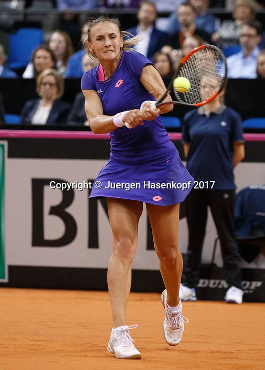 GER-UKR, Deutschland - Ukraine, <br /> Porsche Arena, Stuttgart, internationales ITF  Damen Tennis Turnier, Mannschafts Wettbewerb,<br /> LESIA TSURENKO (UKR)