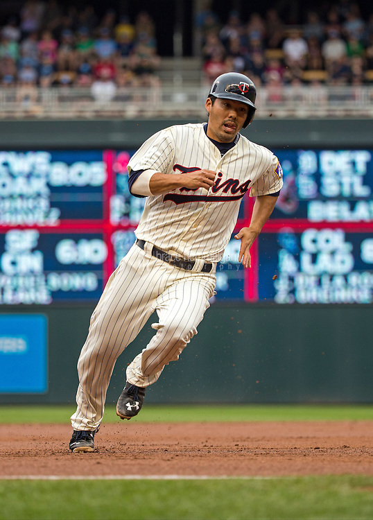 MINNEAPOLIS, MN- MAY 16: Kurt Suzuki #8 of the Minnesota Twins runs against the Tampa Bay Rays on May 16, 2015 at Target Field in Minneapolis, Minnesota. The Twins defeated the Rays 6-4. (Photo by Brace Hemmelgarn) *** Local Caption *** Kurt Suzuki