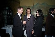 SIR NICHOLAS SEROTA;  NICK CAVE; SUSIE BICK;, 2008 Turner Prize Award. Tate Millbank. London. 1 December 2008 *** Local Caption *** -DO NOT ARCHIVE -Copyright Photograph by Dafydd Jones. 248 Clapham Rd. London SW9 0PZ. Tel 0207 820 0771. www.dafjones.com