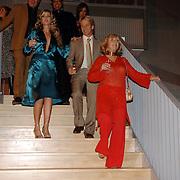 NLD/Rotterdam/20060923 - Premiere Willeke Alberti tour `Goud `, Willeke Alberti, Brigitte Nijman en Frans Schraven