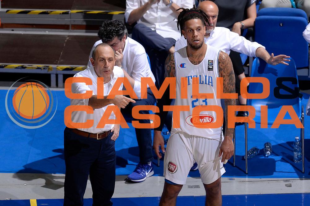DESCRIZIONE: Bologna Basketball City Tournament - Italia Filippine<br /> GIOCATORE: Ettore Messina Daniel Hackett<br /> CATEGORIA: Nazionale Maschile Senior<br /> GARA: Bologna Basketball City Tournament - Italia Filippine<br /> DATA: 25/06/2016<br /> AUTORE: Agenzia Ciamillo-Castoria
