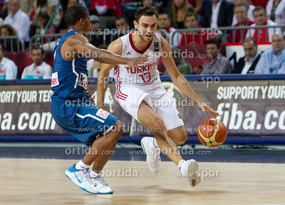 Ender Arslan of Turkey vs Andrew Albicy of France during  the eight-final basketball match between National teams of Turkey and France at 2010 FIBA World Championships on September 5, 2010 at the Sinan Erdem Dome in Istanbul, Turkey. (Photo By Vid Ponikvar / Sportida.com)
