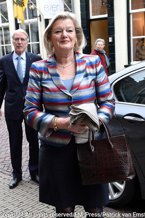 Politieke prominenten wonen de uitvoering van de Matthaus Passion bij in de Grote Kerk in Naarden. <br /> <br /> Op de foto:  Ankie Broekers-Knol