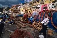 Italie, Campanie, Naples, Île de Procida, Port de pêche // Italy, Campania province, Naples, Procida islande, Fish harbour
