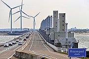 Nederland, The Netherlands, Neeltje Jans, 26-3-2016Vanaf het voormalige werkeiland Neeltje Jans is een goed zicht op de oosterscheldekering . Het is samen met het bezoekerscentrum een toeristische attractie  .FOTO: FLIP FRANSSEN/ HH