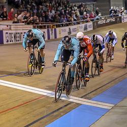30-12-2017: Wielrennen: NK Baan: Alkmaar <br /> Mathijs Buchli pakt de titel op de scratch voor Jeffrey Hoogland en Roy van den Berg