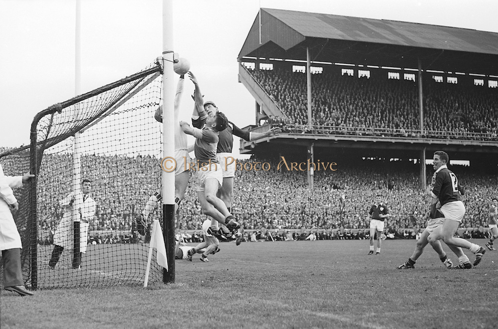 All Ireland Senior Football Championship Final, Kerry v Galway, 27.09.1964, 09.27.1964, 27th September 1964, Galway 0-15 Kerry 0-10, 27091964AISFCF,..A clash at the Galway goal early in the second half looked as if Kerry could make a comeback, but J Geraghty stopped the ball as it touched the bar, .